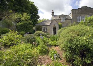 self catering rental loch cottage near edinburgh scotland rh aboutscotland com