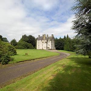 Tullibole Castle Bed And Breakfast Accommodation Scotland
